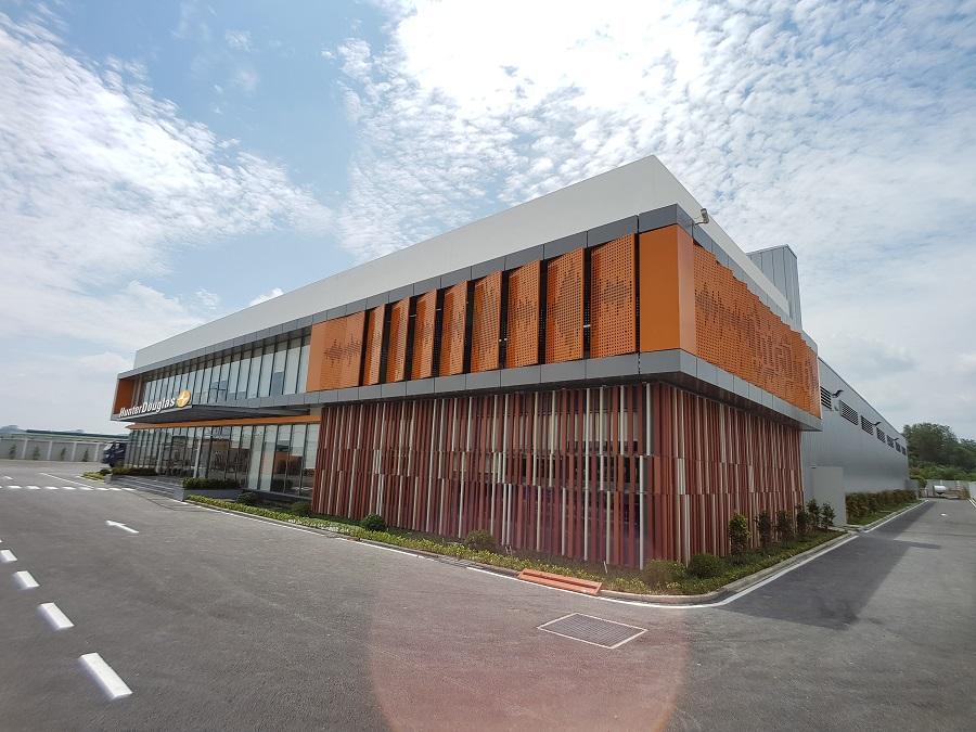 Nhà máy Hunter Douglas Indochina tại KCN Sóng Thần 3 Bình Dương