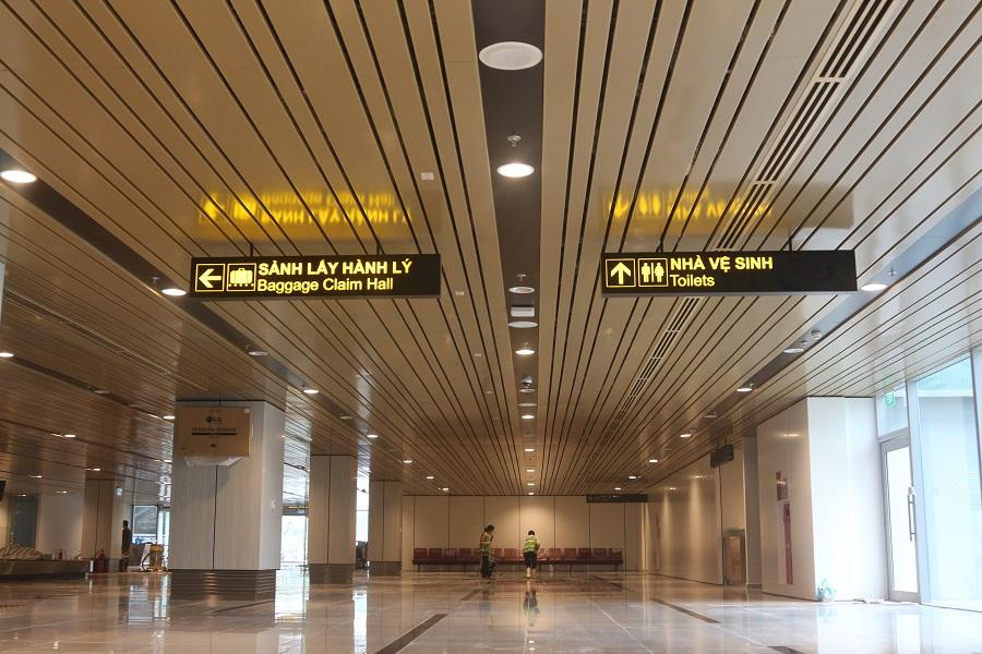 Sân bay Vân Đồn -trần nhôm sân bay