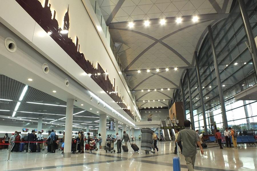 sân bay campuchia 1-trần nhôm sân bay
