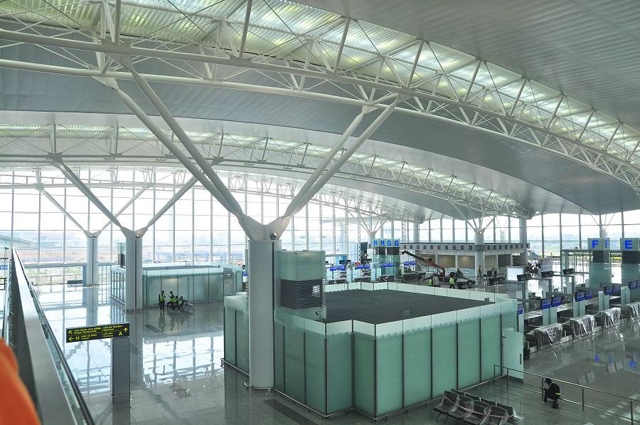 sân bay nội bài -trần nhôm sân bay
